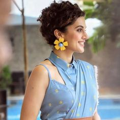 Take a cue from @taapsee and bring your outfit into full bloom with supersized floral earrings.🌸 Shop similar pieces and more at…