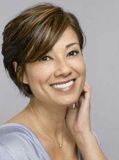 awesome Idée coupe courte : Short Hairstyles With Bangs For Women Over 40