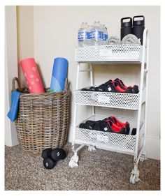 garage gym trendy home workout space small Lawn Furniture If Workout Room Home, Gym Room At Home, Home Gym Decor, Workout Rooms, Office Decor, Garage Gym, Diy Garage, Small Garage, Small Home Gyms