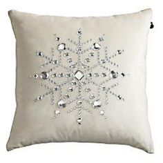 Pillow easy snowflake pillow to make. Radloff - what do you think of making several of these for your bed?easy snowflake pillow to make. Radloff - what do you think of making several of these for your bed? Sewing Pillows, Diy Pillows, Decorative Pillows, Pillow Ideas, Throw Pillows, Couch Pillows, All Things Christmas, Christmas Holidays, Christmas Decorations