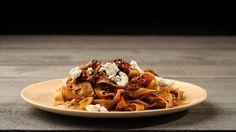 Αρνί μαγειρευτό με παπαρδέλες και ξινομυζήθρα Waffles, Cooking, Breakfast, Food, Kitchen, Morning Coffee, Essen, Waffle, Meals