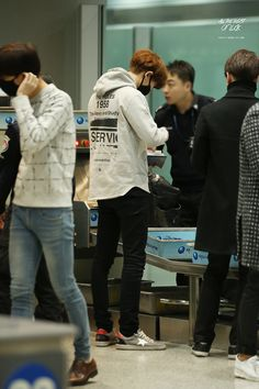 Chanyeol | 150117 Beijing Airport departing for Seoul