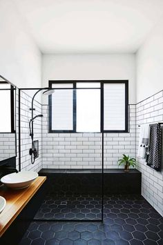 Black And White Tile Floor White Marble Floor One Kindesign 25 Incredibly Stylish Black And White Bathroom Ideas To Inspire Bathroom Floor Tiles, Bathroom Renos, Bathroom Renovations, Small Bathroom, Men's Bathroom, White Bathroom Cabinets, Modern Bathroom Tile, Neutral Bathroom, Big Bathrooms