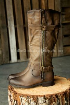 BEYOND THE EDGE BOOTS IN BROWN