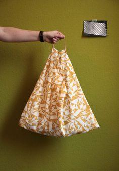 DIY-Anleitung: Dreieckstasche – wenig Stoff, viel Stauraum