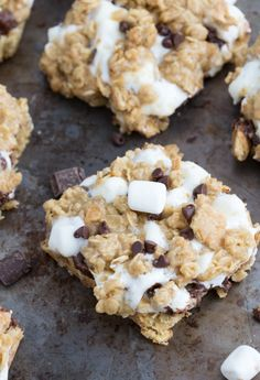 Oatmeal Cookie S'mores Gooey Bars | Chelsea's Messy Apron