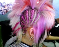 Awesome Hair! i would never do it but it looks so cool !!!