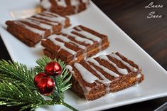 Turta dulce vegana Xmas Desserts, Gingerbread, Waffles, Nom Nom, Breakfast, Cakes, Sweets, Morning Coffee, Ginger Beard
