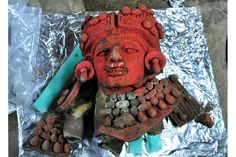 Recently found effigy pot in the Aztompa Archaeological Zone in Oaxaca could indicate individual buried in funerary complex. Piece is believed to be about 1200 years old.