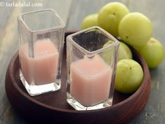 Amla Ginger Juice recipe Indian Food Recipes, Vegetarian Recipes, Ethnic Recipes, Amla Recipes, Homemade Ginger Beer, Gooseberry Recipes, Ginger Juice, Famous Recipe, Healthy Juices