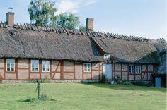 Keltainen talo rannalla: Ruotsalainen koti