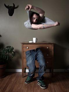 Ulric Collette's Disembodied Body Series - Je n'ai pas de téléphone portable car je trouve d'une insondable goujaterie d'appeler quelqu'un sans lui en demander au préalable l'autorisation par voie de courrier. Je refuse de répondre au drelin du premier venu. S'abandonner à vivre (2014) Sylvain Tesson