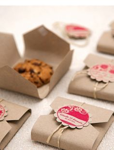 Biscuit packaging DIY template for gifts - Geschenke. DIY - Katharina says … Everyone loves cookies # Cookie Monster StudioStories. likes this. Homemade Gifts, Diy Gifts, Diy Presents, Diy Gift Box, Cookie Box, Cookie Favors, Cookie Gifts, Soap Favors, Food Packaging