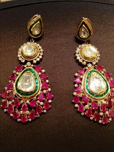 Looking for kundan earrings with rubies and emeralds? Browse of latest bridal photos, lehenga & jewelry designs, decor ideas, etc. Indian Wedding Jewelry, Bridal Jewelry, Gold Jewelry, Luxury Jewelry, Bridal Jewellery Inspiration, Bride Necklace, India Jewelry, Jewelry Tree, Schmuck Design