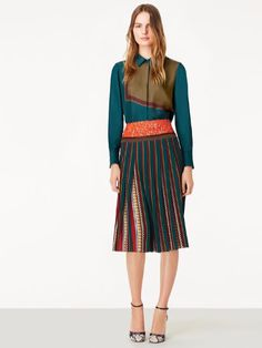 Modest Pleated Style