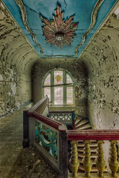 My Photos Of Stairs In Abandoned Buildings That I've Collected Over The Years-Christian Richter. Abandoned Buildings, Abandoned Mansions, Old Buildings, Abandoned Places, Stairway To Heaven, Urban Decay Photography, Building Stairs, Haunted Places, Urban Exploration