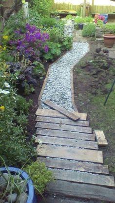 Path Design, Design Ideas, Diy Design, Garden Stepping Stones, Rocks Garden, Design Jardin, Garden Paths, Diy Garden, Garden Types