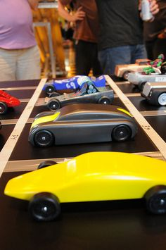 Pinewood Derby....links to a Flickr page with lots of cool cars
