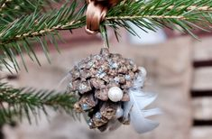 Baumschmuck aus dem Wald – ALL BUTTERCUPS & smelly feet Christmas Ornaments, Holiday Decor, Kids, Home Decor, Seasons Of The Year, Creative, Presents, Forests, Young Children