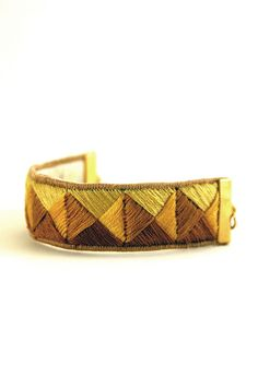 CAHUATE bracelet embroidered