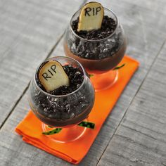 Chocolate Graveyard Pots de Creme – Perfect desserts for your Halloween bash! Halloween Sweets, Halloween Dinner, Halloween Food For Party, Holidays Halloween, Halloween Themes, Halloween Stuff, Halloween Foods, Happy Halloween, Halloween Potions