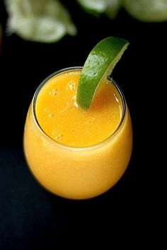 The Best Fresh Mango Margaritas! This recipe comes together in just minutes… and SO refreshing!