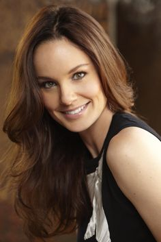 she's so much better in #PrisonBreak than #WalkingDead Sarah Wayne Callies