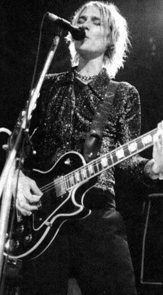 Daniel Johns. Silverchair circa '99. Neon Ballroom. That album changed my life