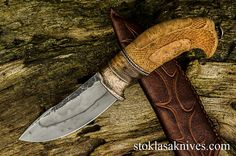 Finally done! skinner with ash burl wood handle fitted with fossil sea cow bone and bronze. Sea Cow, Damascus Knife, Cool Knives, Knife Handles, Custom Knives, Blade, Roman, Tools, Knifes