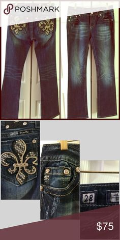 """Miss Me Jeans Sz 28 Beautifully embellished back pockets, mid rise boot cut jeans. Size 28, 34"""" inseam, mid-rise, boot cut. Excellent condition, worn a few times. Miss Me Jeans Boot Cut"""