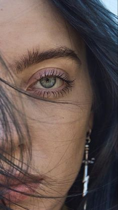 Celebs How much is Billie Eilish Worth ? Billie Eilish, Beautiful People, Most Beautiful, Beautiful Pictures, Queen, Her Music, Music Songs, Belle Photo, Girl Crushes