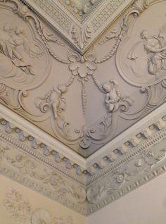 "85 St Stephen's Green, Dublin, Ireland. Architect: Richard Castle, 1738. Source: The Irish Aesthete, ""The Most Beautiful Room in Ireland?"""