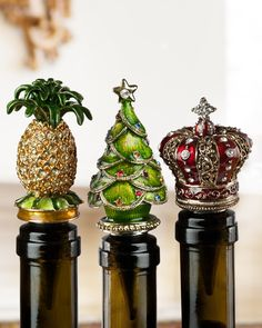 Balsam Hill's Jeweled Wine Stopper is our gift to the wine lovers who want a convenient yet elegant way to preserve their opened bottles.