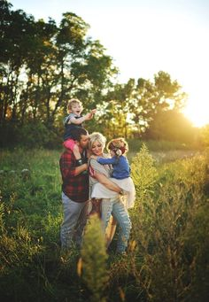1 best images about Client Board on Pinterest | Family of 4, Family posing and Family portraits