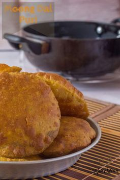 Moong Dal Poori We all love Pooris. How about an interesting twist to these Pooris? Learn to make delicious snack/breakfast option Moong Dal Poori that pairs up so nicely with Aloo Matar ki Sabzi and some khatti-meethi chutney Breakfast Options, Breakfast Snacks, Best Breakfast, Yummy Snacks, Snack Recipes, Cooking Recipes, Puri Recipes, Indian Flat Bread, Indian Breads