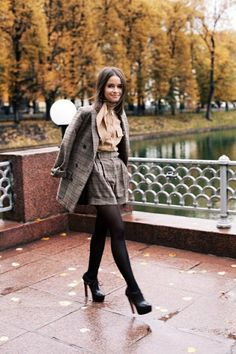 Find tips and tricks, amazing ideas for Miroslava duma. Discover and try out new things about Miroslava duma site Miroslava Duma, Winter Shorts, Fall Shorts, Pantyhosed Legs, Look Street Style, Street Styles, Mira Duma, Legging Outfits, Skirt Outfits