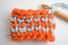 You've probably asked yourself more than once how to achieve a denser and tighter stitch in crochet, so that the final project is warmer or ...