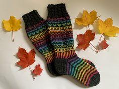 Knitting Socks, Mittens, Ravelry, Heaven, Wool, Projects, Knit Socks, Fingerless Mitts, Log Projects