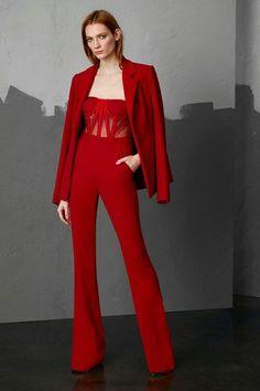 Pamella Roland Pre-Fall 2018 Fashion Show Collection: See the complete Pamella Roland Pre-Fall 2018 collection. Look 6 Autumn Fashion 2018, Red Fashion, Look Fashion, Runway Fashion, High Fashion, Fashion Dresses, Womens Fashion, Fashion Design, Fashion Trends