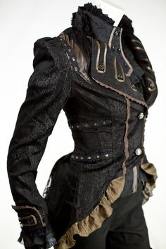 Steampunk tea dueling jacket (Tea and dueling in one? Count me in! Viktorianischer Steampunk, Steampunk Couture, Steampunk Cosplay, Steampunk Clothing, Steampunk Jacket, Gothic Fashion, Victorian Fashion, Emo Fashion, Modern Steampunk Fashion