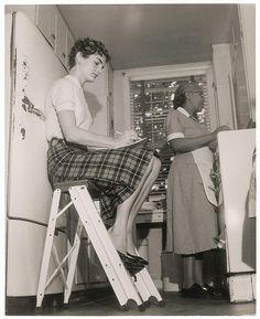 Jaqueline Kennedy aprende cocina. Las imágenes menos vistas de los Kennedy - Cultura - abc.es