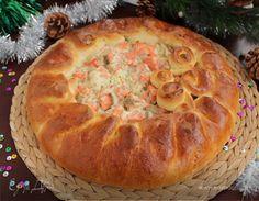 Праздничный рыбный пирог. Ингредиенты: мука, молоко, сахар