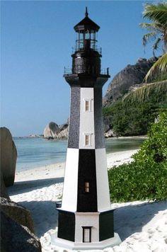 Image from http://www.lighthouseman.com/data/images/chenrybeachhr.jpg.