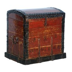 Captivating Antique Red Painted Chinese Trunk Wooden Trunks, Old Trunks, Vintage Trunks, Trunks And Chests, Antique Trunks, Antique Chest, Antique Boxes, Wood Crates, Wood Boxes