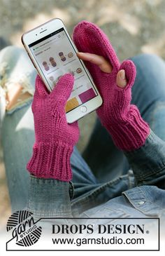 Ravelry: Keep in Touch pattern by DROPS design Knitted Mittens Pattern, Crochet Mittens, Knitted Gloves, Cute Crochet, Knitting Patterns Free, Free Knitting, Drops Design, Magazine Drops, Knitting Gauge