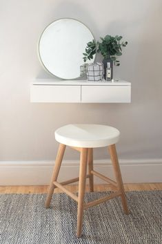 Small Floating Dressing Table White – Urbansize Source by gina_wissel table ideas Dressing Table For Small Space, Small Dressing Rooms, Bedroom Dressing Table, Narrow Dressing Table, Dressing Tables, Dressing Table Inside Wardrobe, Dressing Table Decor, Small Tables, Desks For Small Spaces