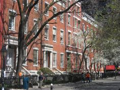 I loved Washington Square when I visited NY, so this is where I set Lyndsey's home.