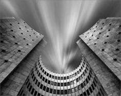 Black and White Architecture Photography Masterpieces Types Of Photography, Urban Photography, Macro Photography, Amazing Photography, White Photography, Urbane Fotografie, Architecture Old, Omega, Black And White