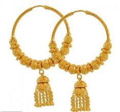 Gold Jhumka Earrings, Gold Mangalsutra, Gold Earrings Designs, Gold Jewellery Design, Gold Jewelry, Golden Earrings, Gold Designs, Simple Earrings, Gold Bangles