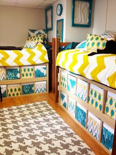 Underbed storage ideas · incredible and cute dorm room decorating ideas 54 college dorms, college dorm storage, college College Dorm Bathroom, College Dorm Storage, Dorm Room Storage, Dorm Room Organization, Under Bed Storage, College Dorm Rooms, Organization Ideas, Storage Cubes, College Apartments
